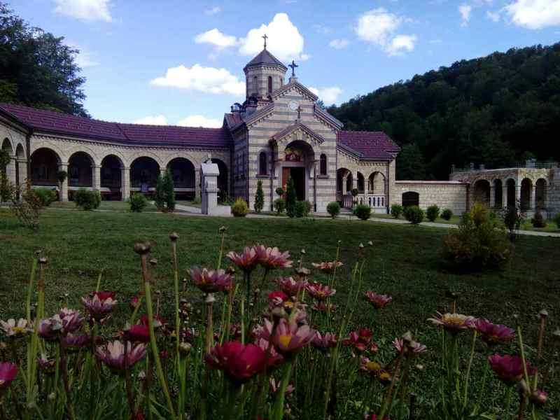 Освећен храм Благовијести Пресвете Богородице у манастиру Осовици