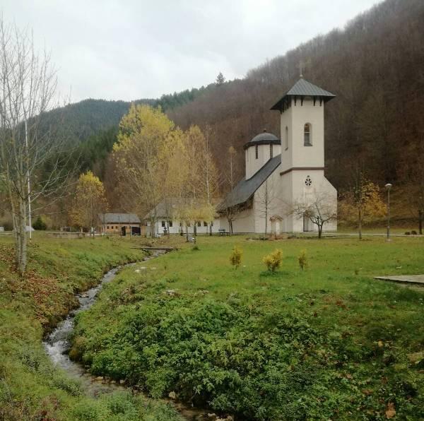 Моба у манастиру Глоговцу