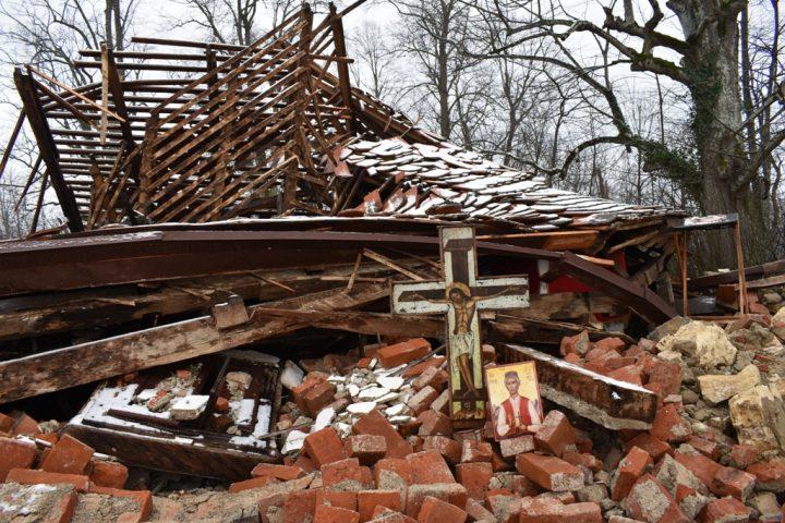 Баштионик у Мајским Пољанама и Глини након земљотреса