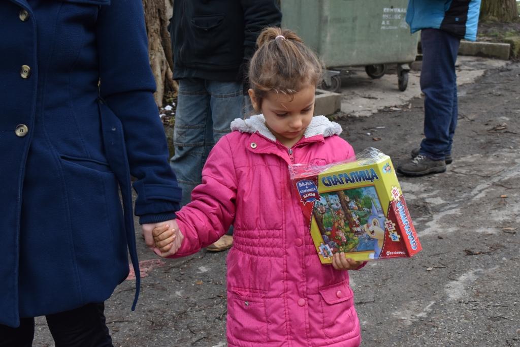 Подијељени добротворни пакети у Љубији