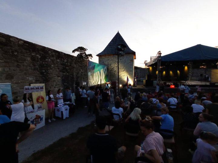 Баштионик на Фестивалу српског фолклора